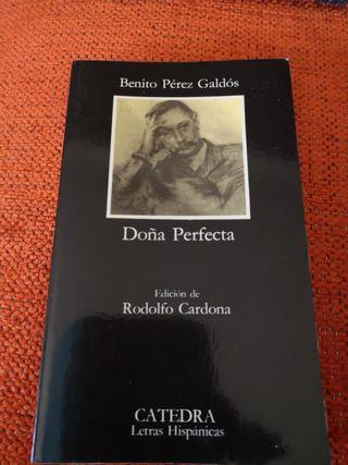 Libro titulado DOÑA PERFECTA.