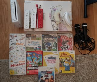 Wii + 9 juegos + 3 mandos + 2 micrófonos