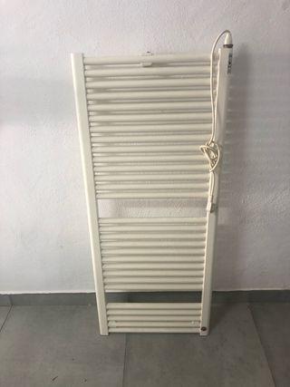 Radiador toallero enchufable