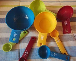 Tazas y cucharas mediadoras (cocina)