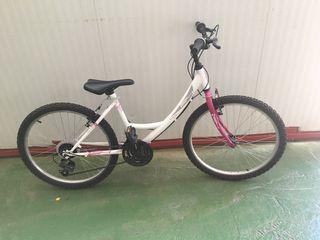 Bicicleta de paseo rosa