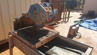 máquina cortar ladrillo