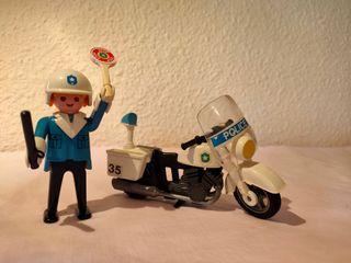 Moto policía Playmobil