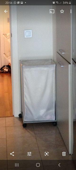 cesto colada ropa sucia. blanco 90l con ruedas