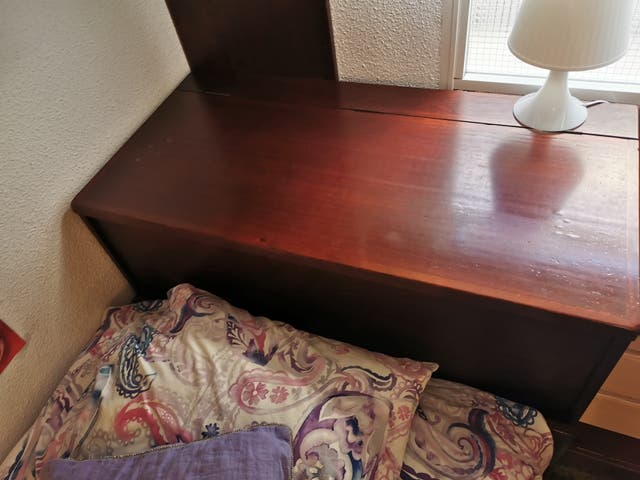 arcón de madera de pino