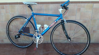bicicleta de carretera a ciudad