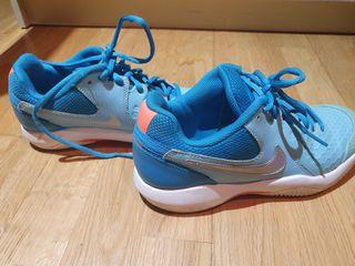Playeros tenis Nike talla 37.5.