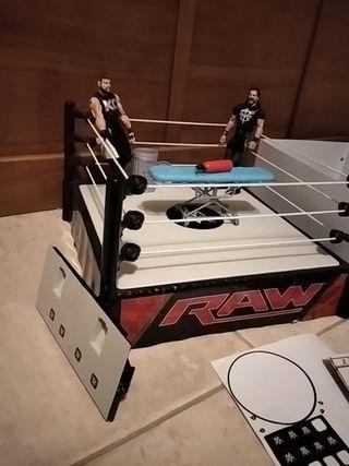 WWE - lucha libre - muñecos y cuadrilátero