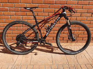 Bicicleta MTB Carbono