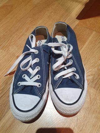 Converse. Talla 36 azul...