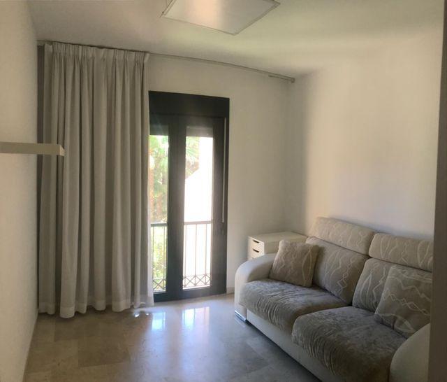 atico en alquiler de 160.m2 mas 160.m2 terraza (San Pedro Alcántara, Málaga)