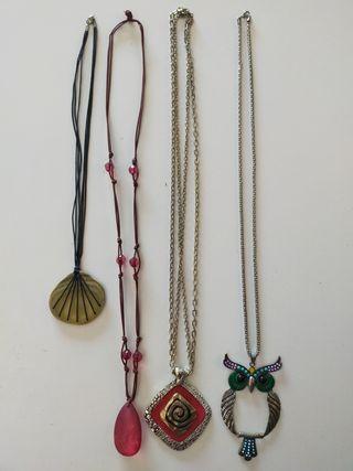 Collares, pulseras, pendientes y anillo