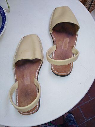 sandalias menorquinas (Antoni Pons)