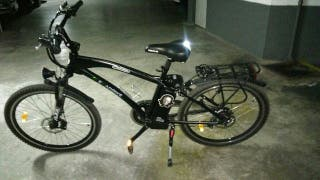 Bicicleta eléctrica seminueva.