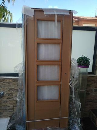 puerta de interior nueva sin desembalar color haya