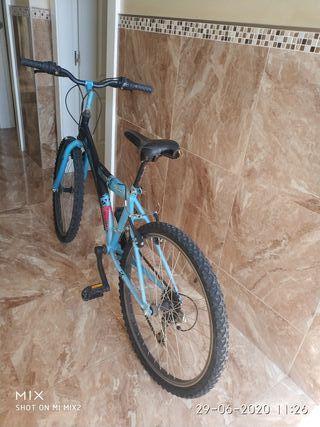 se vende una bicicleta de 24 pulgadas en muy buen