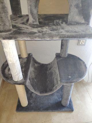 Árbol rascador gato grande