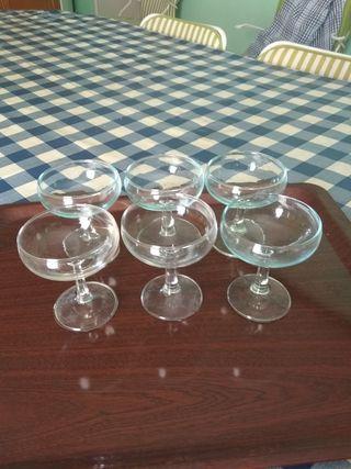 6 copas de champagne