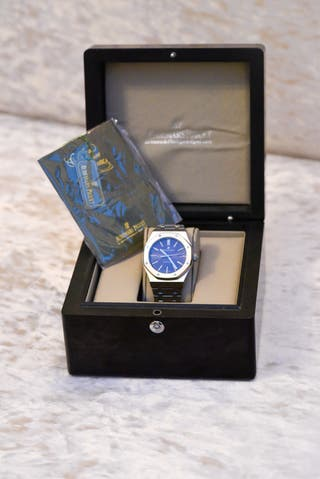 Men's blue dial automatic watch