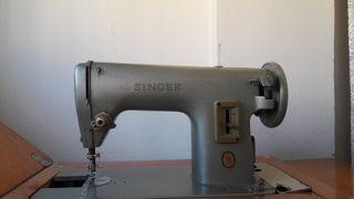 Máquina de coser Singer años 70