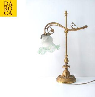 Singular lámpara modernista