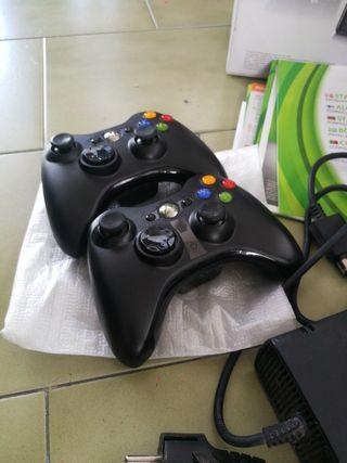Xbox 360 250gb + 2 Mandos + Kinect + 19 Juegos
