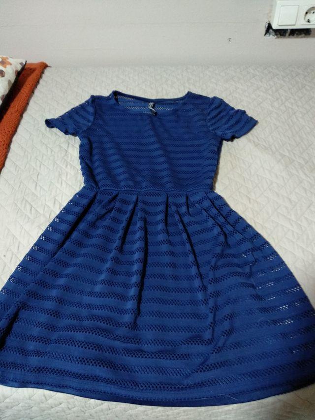 Vestido de verano azul, marca Stradivarius
