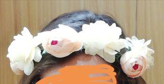 Corona flores artificiales