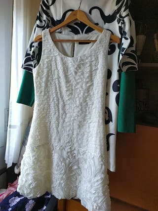 vestido blanco monismo