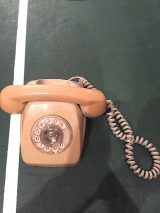 Teléfono antiguo - Reliquia