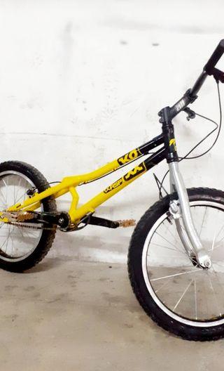 Bicicleta trial infantil. KOXX