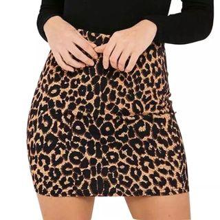 falda ceñida animal print