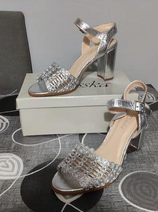 Zapatos/sandalias plateadas para fiesta o boda