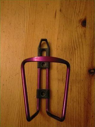 Porta bidón para poner botella en la bici