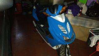 vendo scooter Yamaha aerox por no usar. estado imp