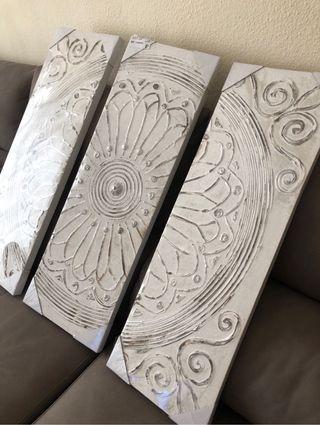 Lienzo tríptico con textura y relieve