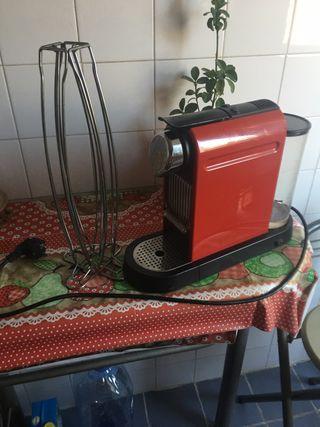 Cafetera Krups Nespresso Citiz XN7006 Roja