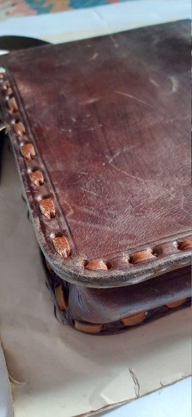 Bolso de piel repujado vintage