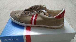 Zapatillas El Ganso color beige, talla 42.