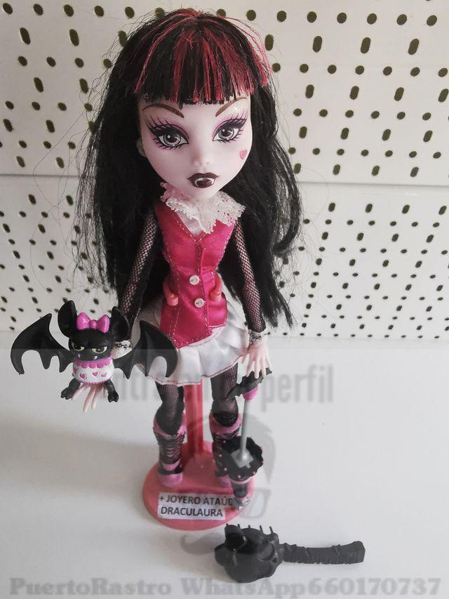 Draculaura monster high + ataúd joyero