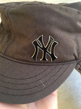 Gorra con orejeras New Era NY