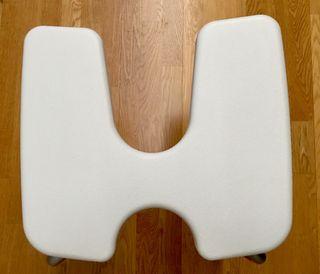 Elevador WC de PVC. Ortopedia. Ayuda para ancianos