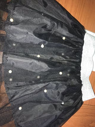 Falda negra con perlitas