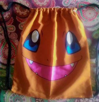 Saco tela personaje Pokémon: Charmander.39x33cm.
