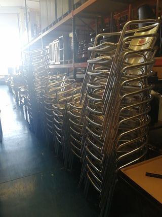 sillas de aluminio a 10 euros unidad buen estado