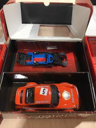 Porsche 911 Jagermeister de Fly Racing