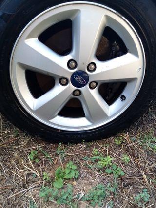 "Llantas Ford 16"" 205x55x16"