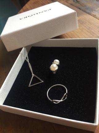 Conjunto joyas plata de ley 925 y perlas.
