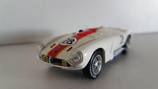 Maqueta coche escala 1/43 Pegaso Z102