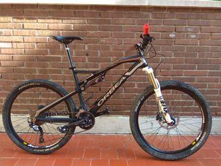 Bicicleta de montaña. Doble suspensión. Orbea